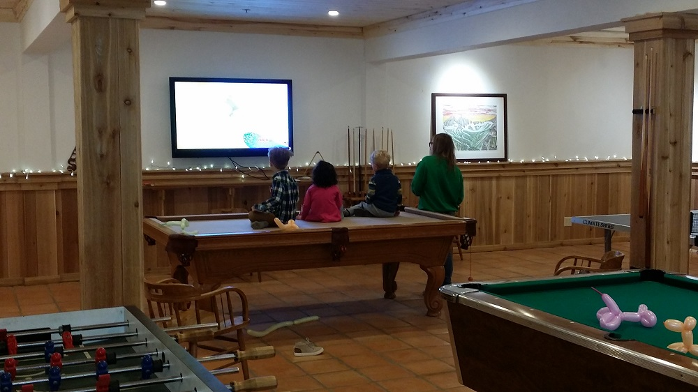 game room at Silverpick Lodge.jpg